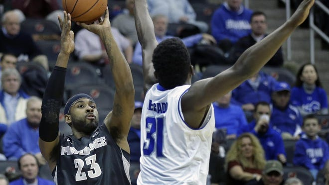 Former Eastern High standout LaDontae Henton will play summer league with Golden State.