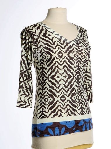 This geometric print V-neck with a contrasting blue