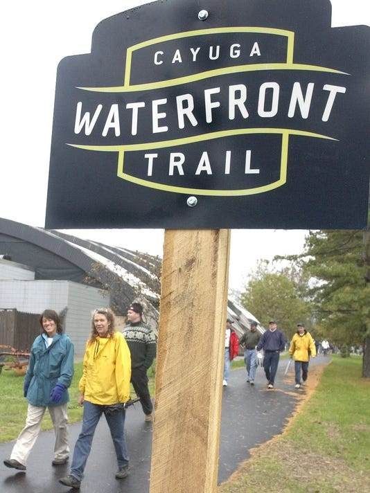 20150105_ITH_Waterfront_trail_sign.jpg
