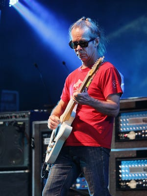 Tim Reynolds performs with the Dave Matthews Band in 2015.