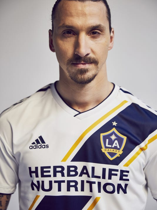 outlet store a0be8 1e457 Welcome to Zlatan': Ibrahimovic makes play for LA's heart
