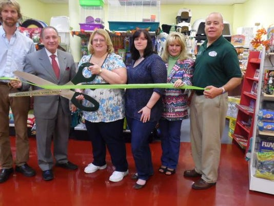 Dare's Feed and Pet Supply ribbon-cutting ceremony.101713.JPG
