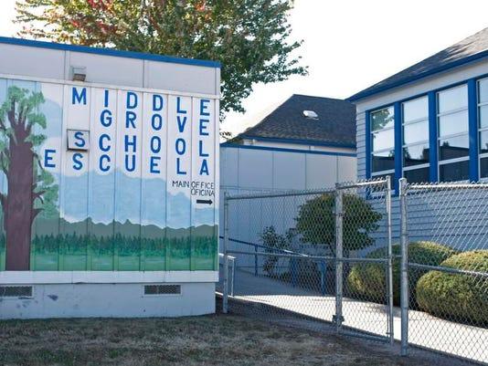 SAL0120-MiddleGrove.jpg