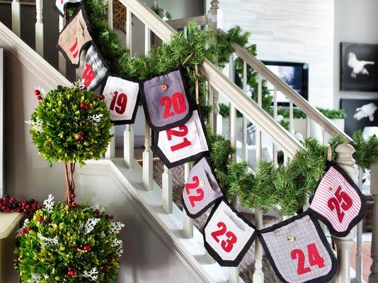 SAL1220-RL Christmas traditions 2