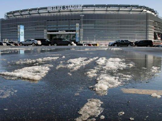 Super Bowl 2014 Snow _Yonk.jpg