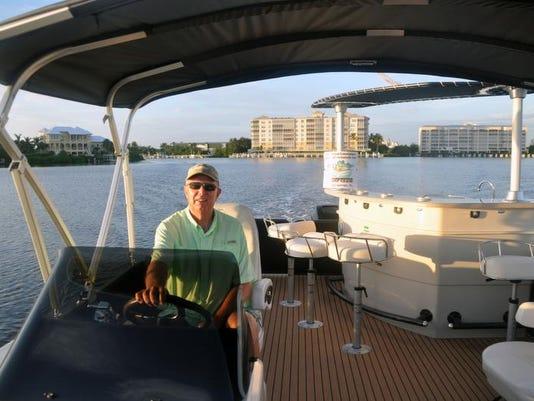 Cool Boat - Premier Deck Boat3.jpg