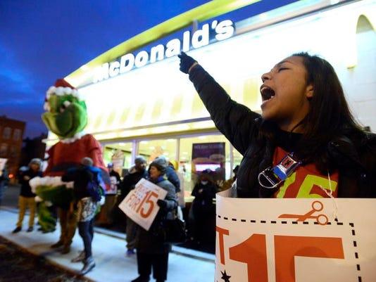 -FTCBrd_12-06-2013_Coloradoan_1_B001~~2013~12~05~IMG_Fast_Food_Strikes_13_1_.jpg