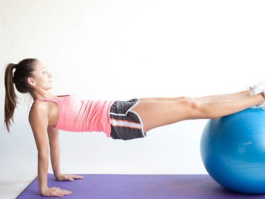 629px-Do-a-Reverse-Plank-With-an-Exercise-Ball-Step-3.jpg