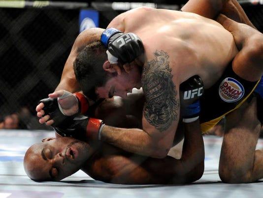 -UFC 168 Mixed Martial Arts .JPEG-0b30e.jpg_20131228.jpg