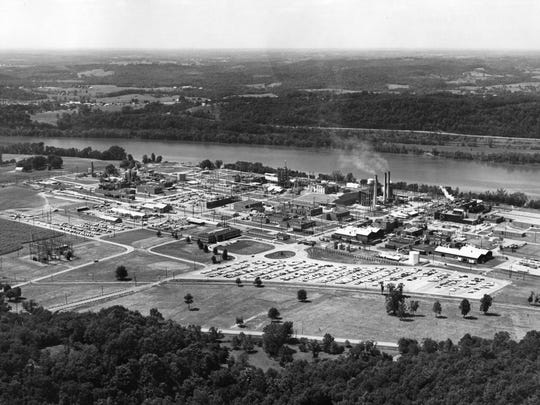 A 1950s ariel view of Washington Works, the DuPont Company's plastic plant at Parkersburg, West Virginia.