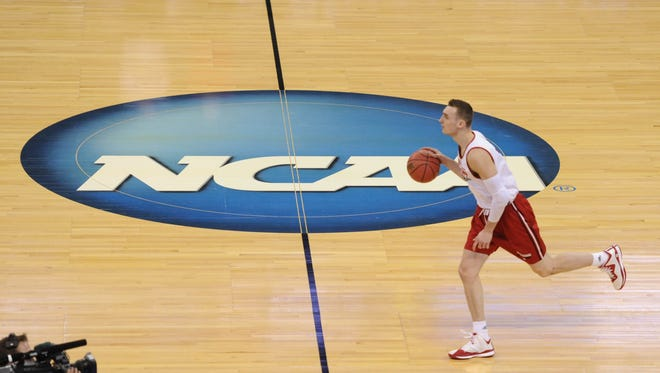 Wisconsin Badgers forward Sam Dekker practices before the second-round NCAA tournament game.