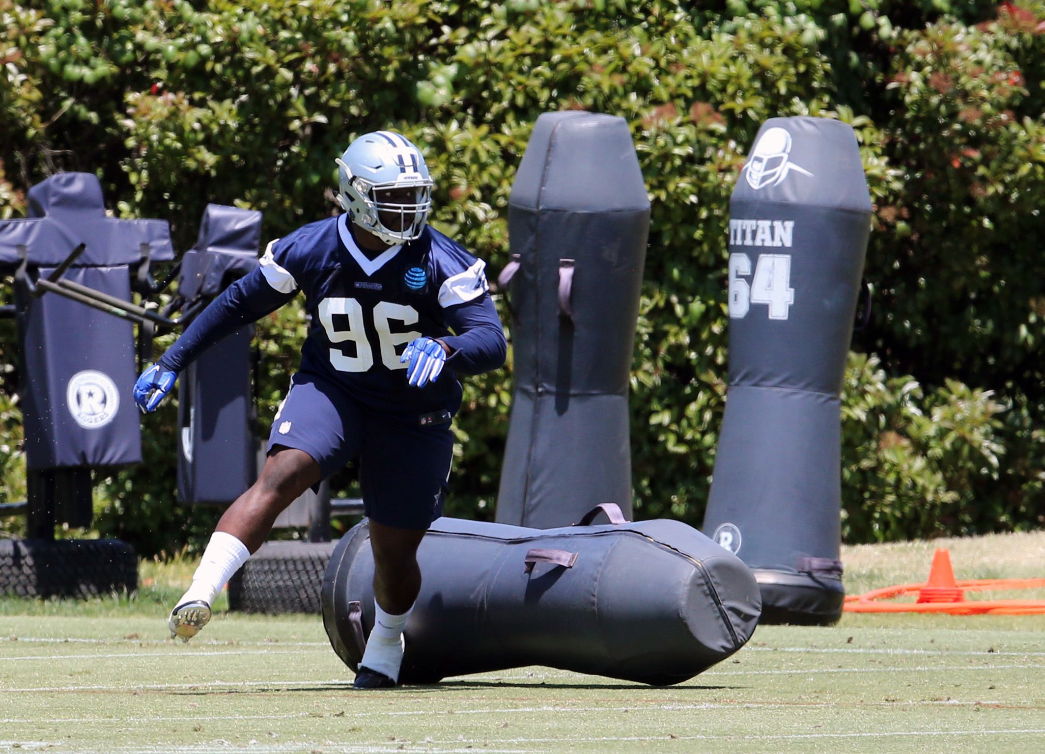 Rolling your ankle like this Cowboys rookie is a common way to get a Jones fracture
