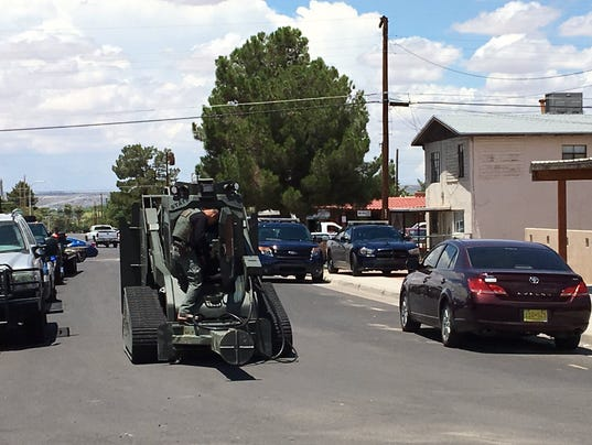 Lcpd armed suspect sparks swat situation for Las cruces motor vehicle division las cruces nm
