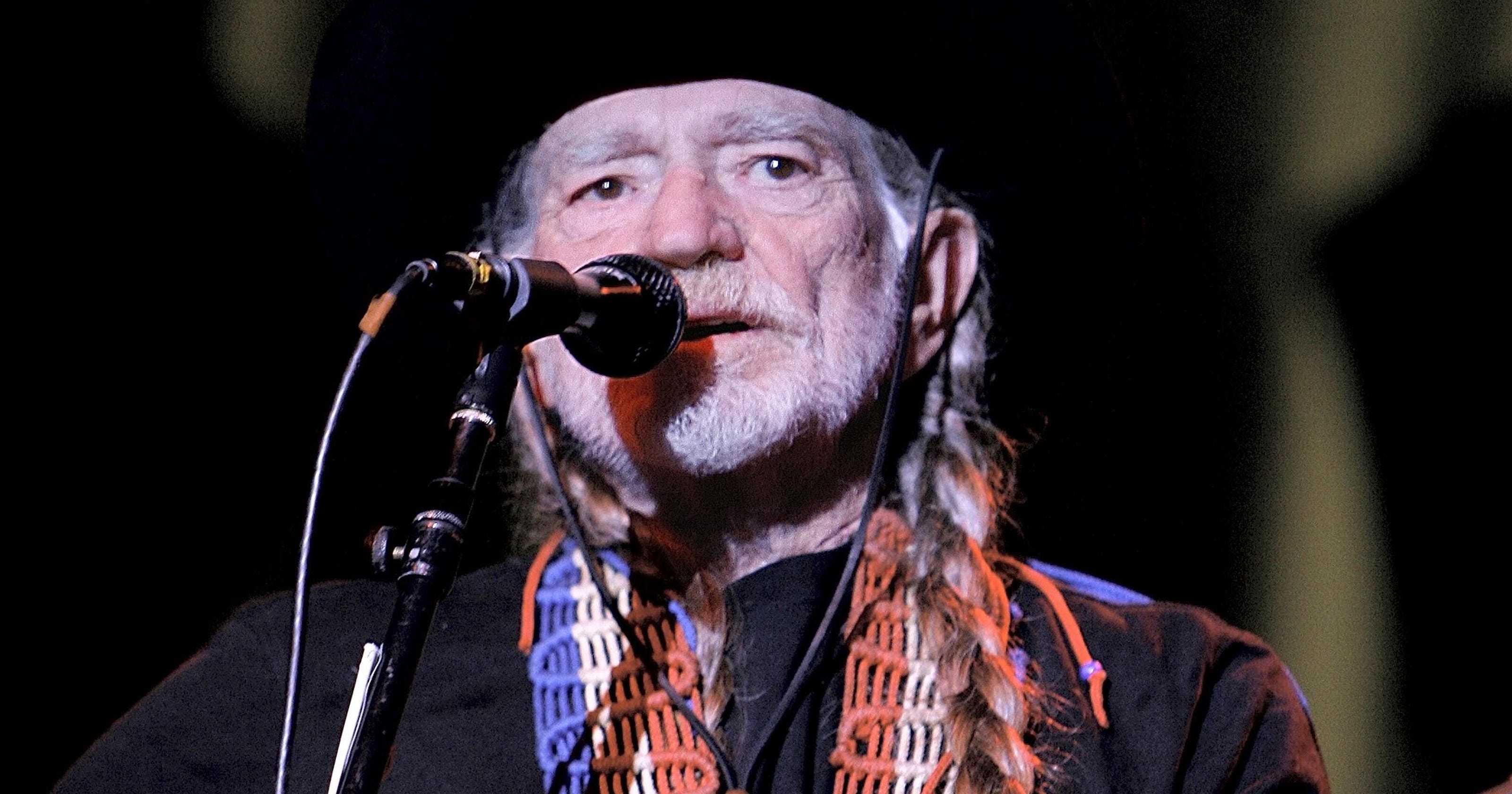 9435f31ef0 Let's learn some trivia about a titan: Willie Nelson