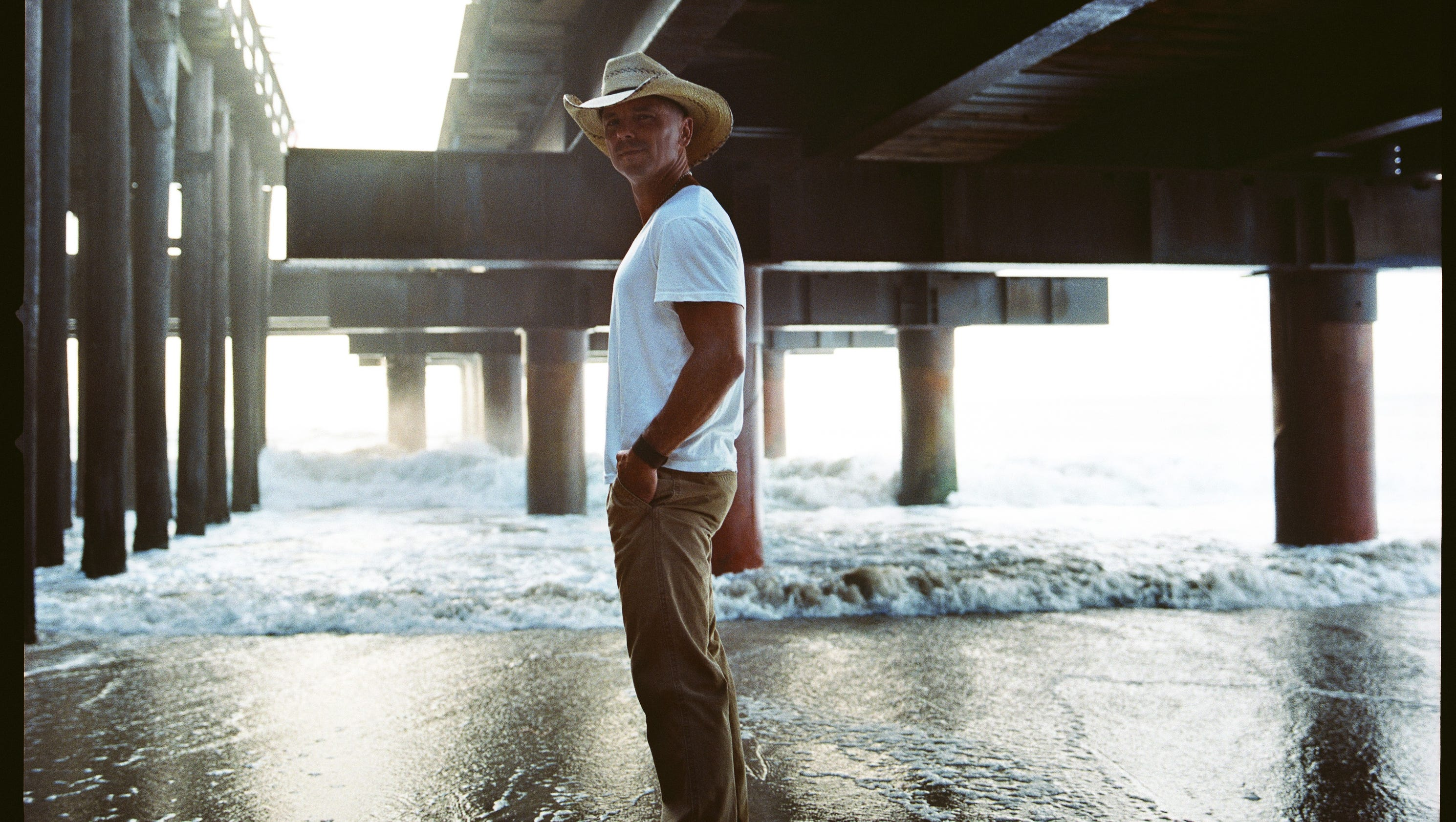 Premiere Kenny Chesney S Wild Child Video
