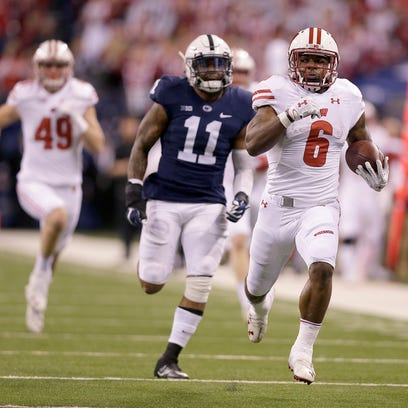 Badgers running back Corey Clement scores on a 67-yard