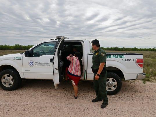 La Patrulla Fronteriza de los EE.UU.. trabaja para asegurar la frontera con México a lo largo del Río Grande