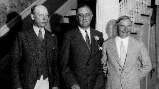 Franklin D. Roosevelt (center) poses with Jersey City Mayor Frank Hague (left) and Gov. A. Harry Moore as he campaigns for the presidency in August 1932 at Sea Girt.