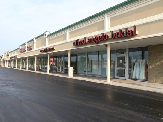 Alfred Angelo Bridal in Greece has closed its doors.