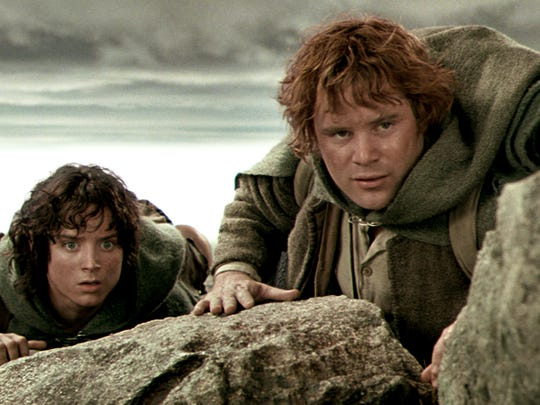 """""""Frodo (Elijah Wood) and Sam (Sean Astin) in """"The Lord"""