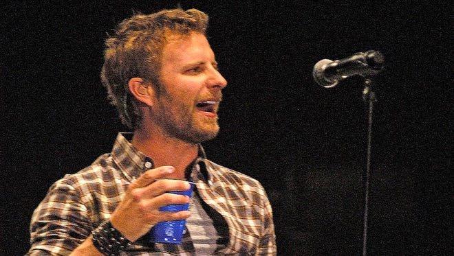Phoenix-raised singer Dierks Bentley headlined Country Thunder Arizona in 2012.