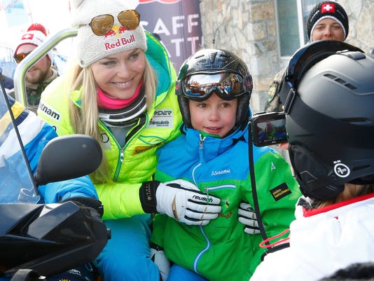 2015-2-2-lindsey-vonn-fan
