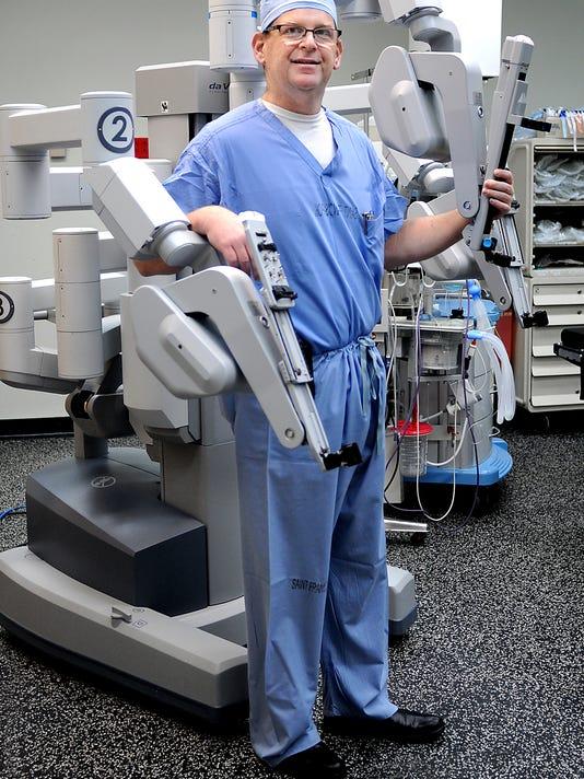 Darren Rohan with da Vinci Si Surgical System