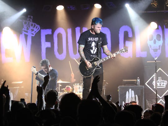 Chad Gilbert, performing with New Found Glory in 2015.