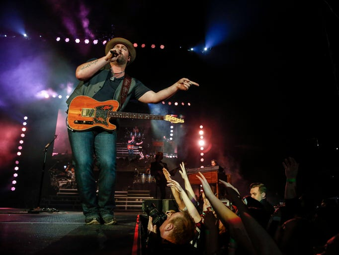 Lee Brice performs at Wells Fargo Arena Thursday, March