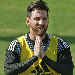 Lionel Messi has a new challenge: Carry Spanish league with Ronaldo gone