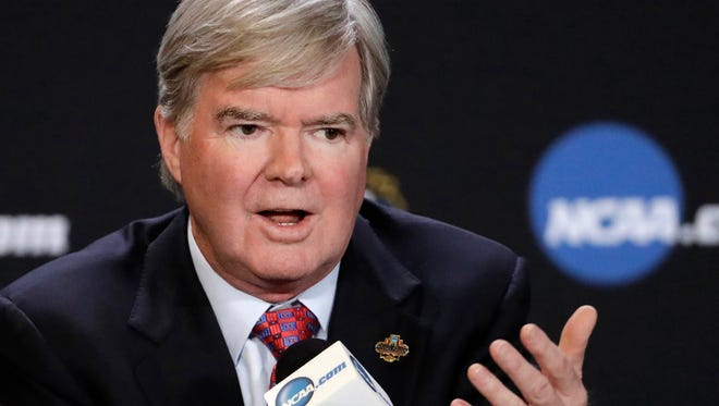 NCAA President Mark Emmert answers a question at a news conference in Glendale, Ariz., March 30, 2017.