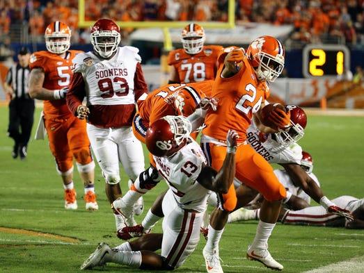 Dec. 31: Clemson defeated Oklahoma 37-17 in the Orange