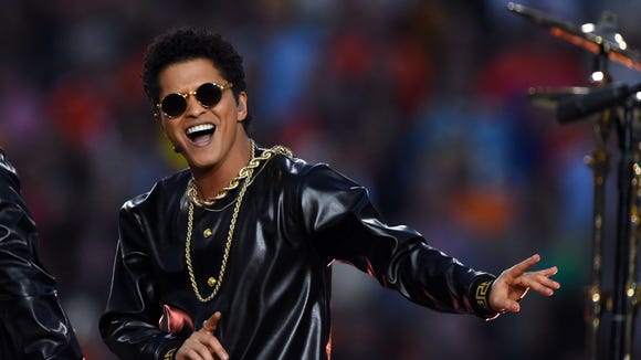 Bruno Mars performs at the SuperBowl.