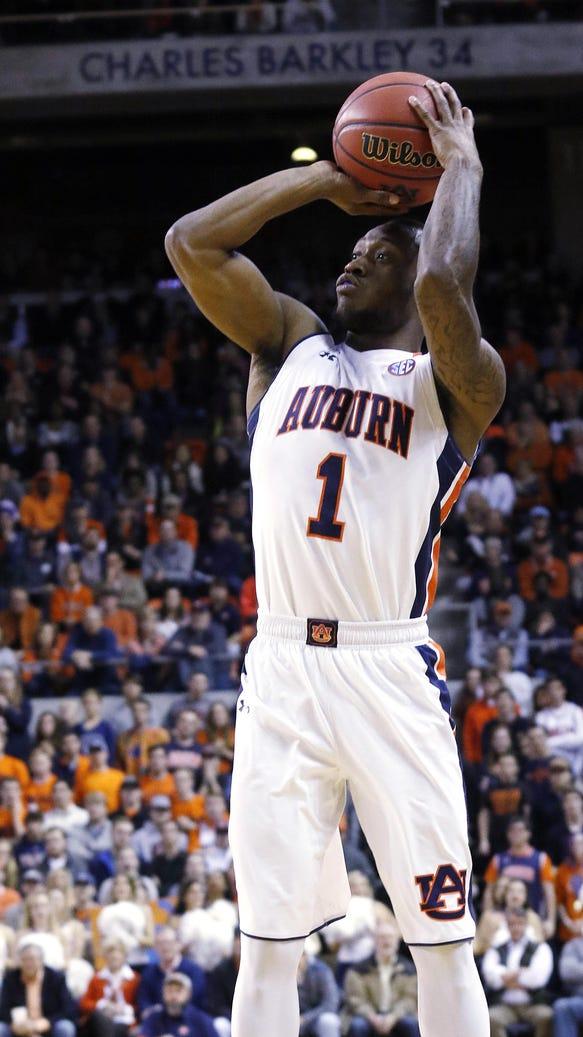Auburn's Kareem Canty shoots a 3-pointer against Alabama