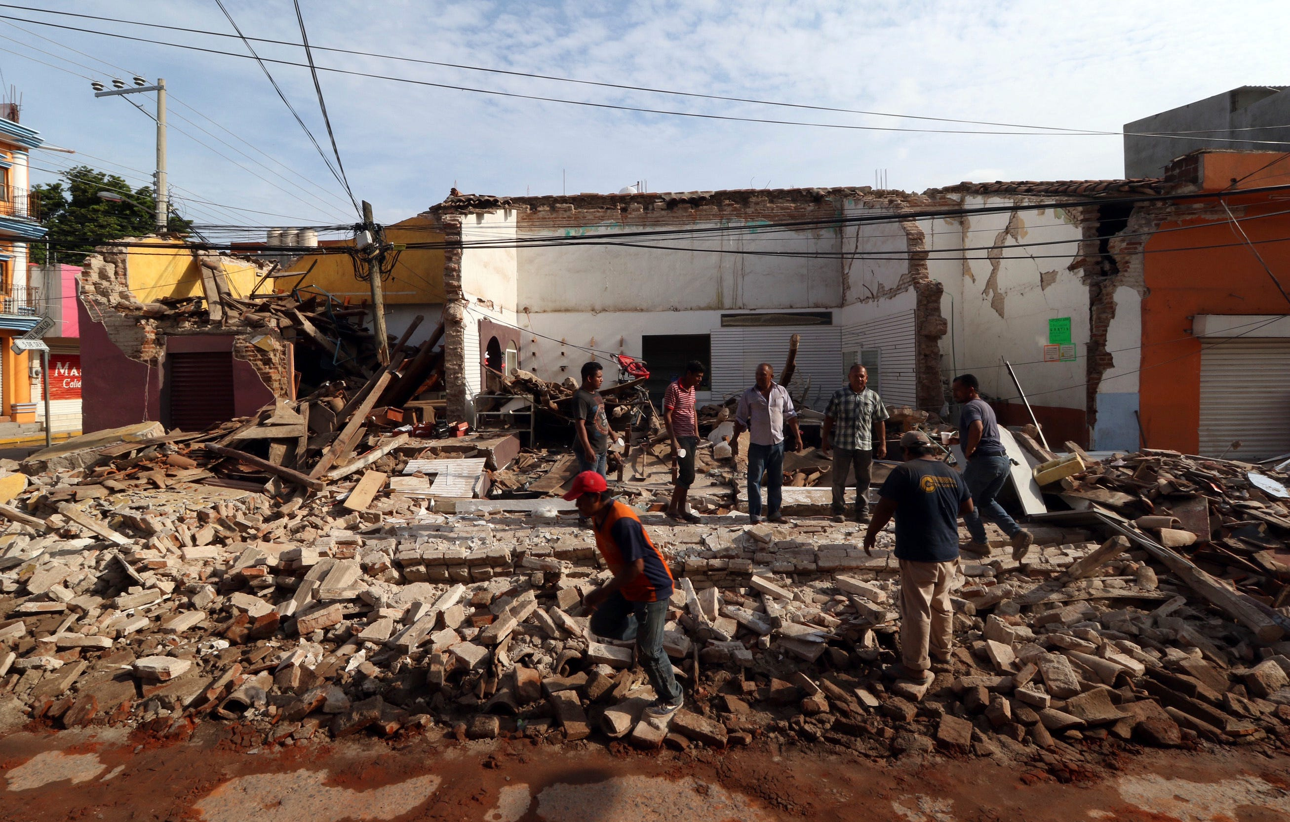 Mexico has suffered from a powerful earthquake 31