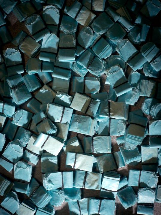 -BUR 0409 heroin cover 1.jpg_20140409.jpg