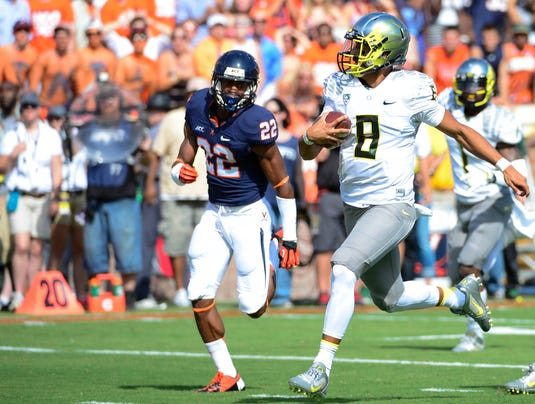 2013-09-07-marcus-mariota-oregon-football