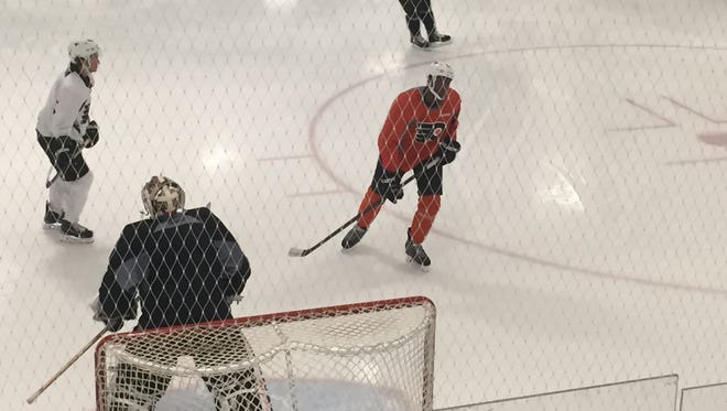 Wayne Simmonds (orange jersey) returned to the ice for the first time since last Tuesday.