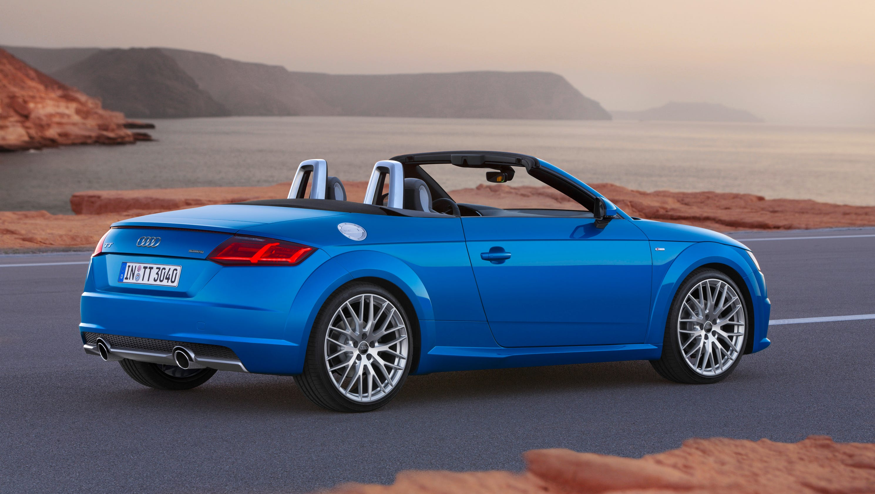 audi gives new look to tt sports car for 2016. Black Bedroom Furniture Sets. Home Design Ideas