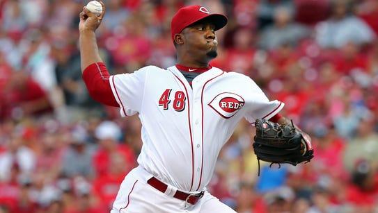 Cincinnati Reds pitcher Keyvius Sampson throws in the