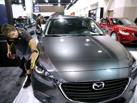 What to do in milwaukee this weekend auto show mama for Milwaukee motor vehicle department