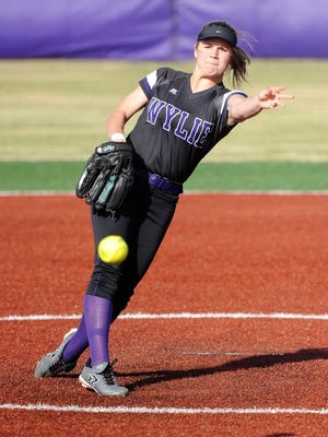 Wylie pitcher Kaylee Phillip (3) follows through during the Lady Bulldogs' 8-7 victory against Clyde on Tuesday, March 6, 2018.