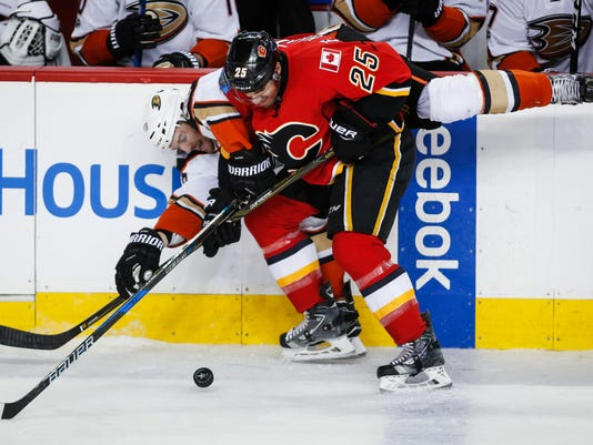 7735964d166 Ducks sweep away Flames with 3-1 win in Game 4