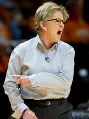 Tennessee Head Coach Holly Warlick reacts to a play