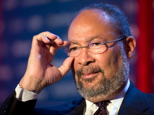 FILE - In this June 15, 2009, file photo, Richard Parsons, then Chairman of Citigroup, speaks at Time Warner's headquarters in New York. Parsons, the interim CEO of the Los Angeles Clippers, is is expected to be called as a witness Tuesday, July 22, 2014, to support Shelly Sterling's bid to sell the NBA basketball team for $2 billion to former Microsoft CEO Steve Ballmer. (AP Photo/Mark Lennihan, File)