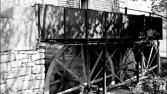 Side View of Tandem Waterwheels at Bunker Hill Mill, Berkeley County, West Virginia (Library of Congress, Prints and Photographs Division)