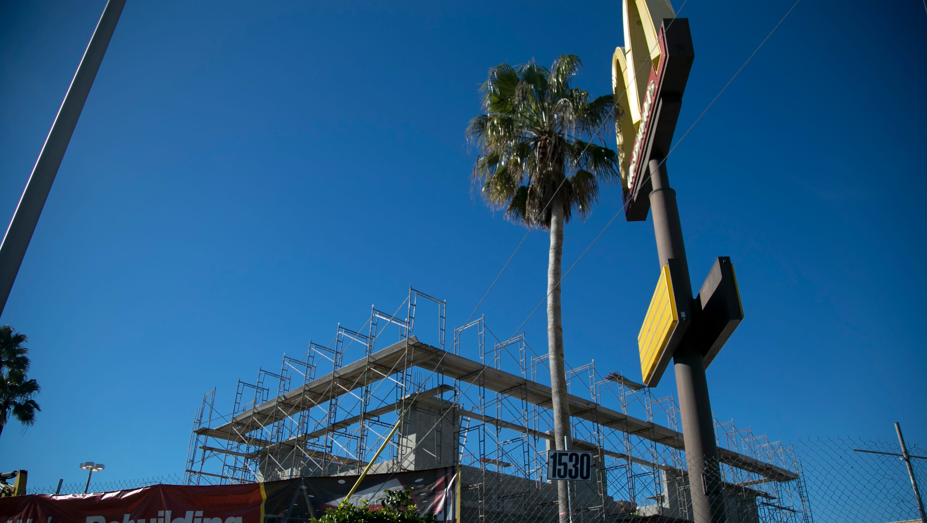 McDonald\'s stores in Fort Myers get new life, and one goes two-story