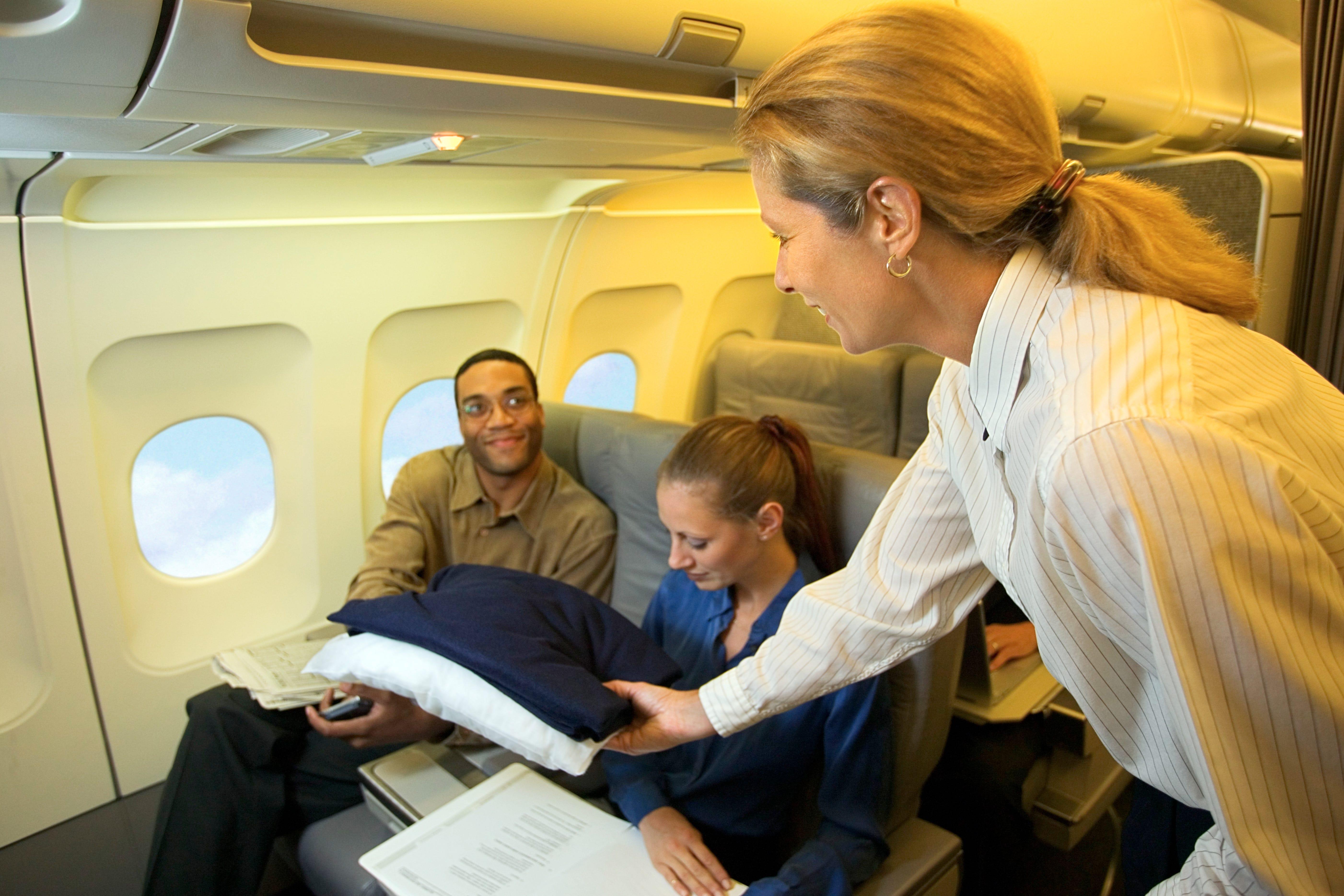 Pilot flight attendant hookup