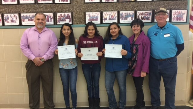 Mountain View Middle School left to right: MVMS Principal Moises Cardiel, Ysabella Reynolds, Essenia Santos, Jessica Otero, Assistant Principal Dana Thiry and Kiwanis Club member Ned Kline.