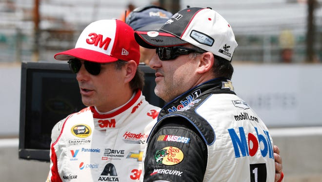 Jeff Gordon (left) was among a group of riders with Tony Stewart in the Southern California sand dunes.